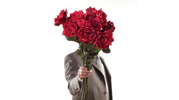 Offrir des fleurs : un grand classique qui fonctionne toujours auprès des dames