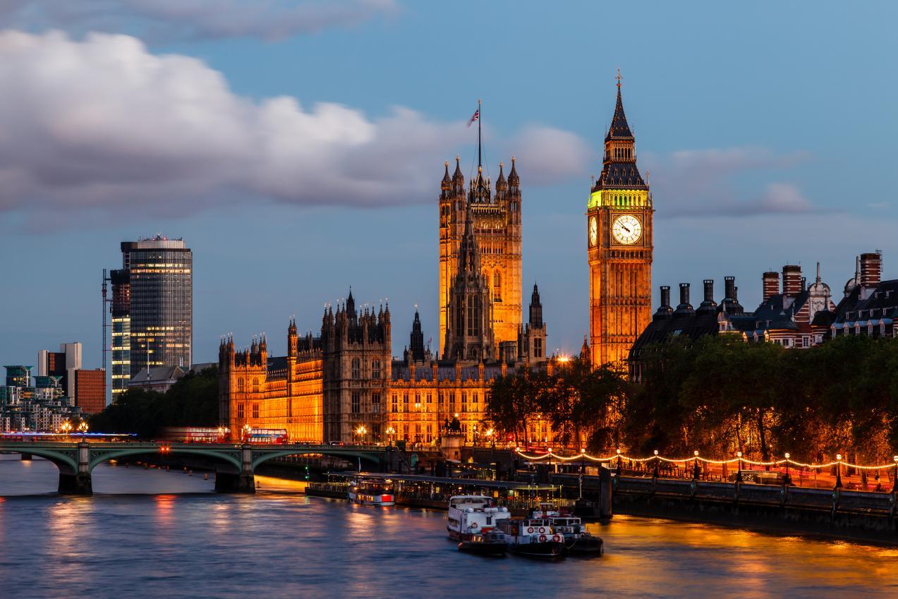 Séjours linguistiques Angleterre : pourquoi l'anglais est un impératif pour le monde du travail actuel
